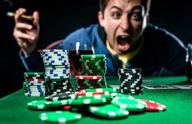 tilt poker meaning